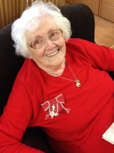 mum-with-mbe-medal